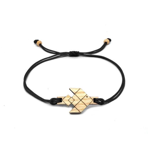 bracelet cordon noir avec pendentif en bois et en forme de poisson volant