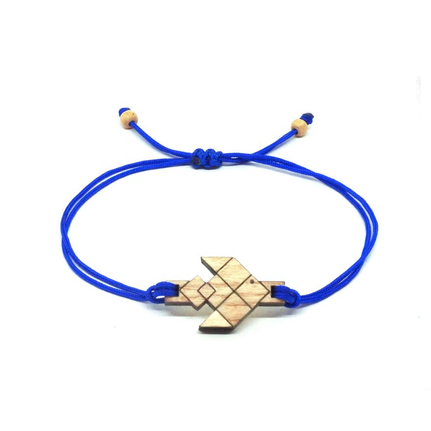 bracelet cordon bleu avec pendentif en bois et en forme de poisson volant