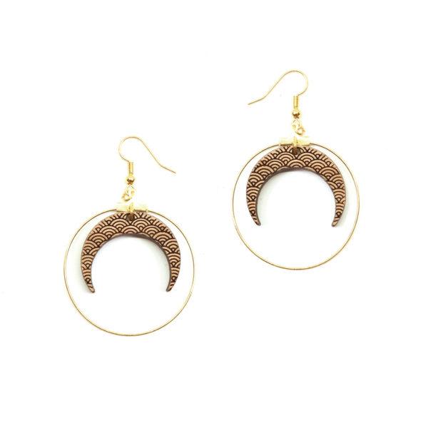 Boucle d'oreilles en bois en forme de lune